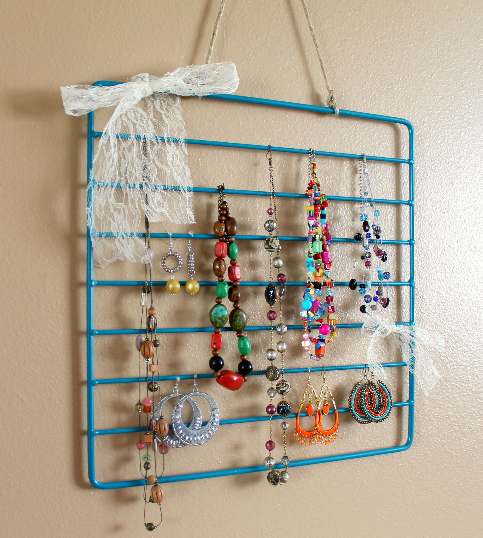Jewelry Organizer Diy Diy Jewelry Organization Roundup