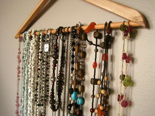 clothes hanger jewelry organizer. Black Bedroom Furniture Sets. Home Design Ideas