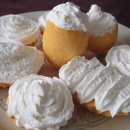 DIY Cupcake Bath Bombs with Whipped Soap Icing |