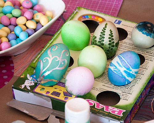 ENTERTAINING- EASTER EGG DECORATING PARTY